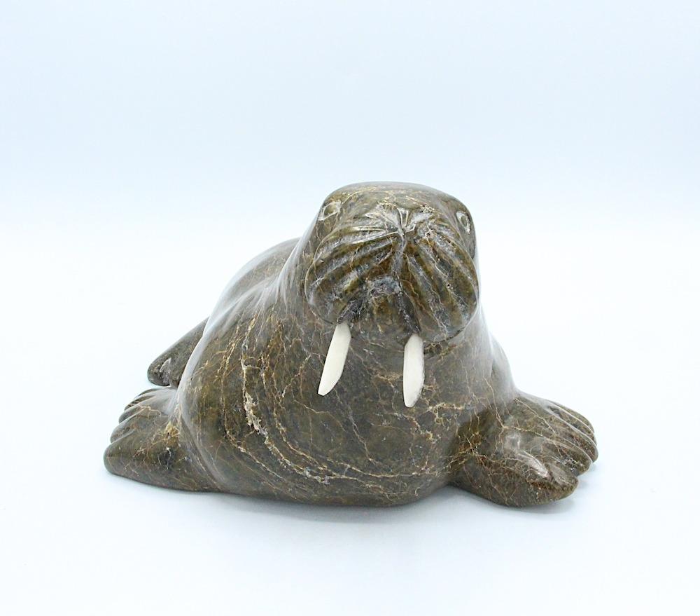 walrus nuit Art Sculpture in Serpentine