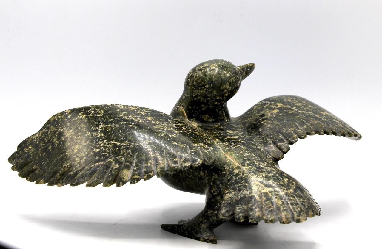 bird inuit sculpture serpentine