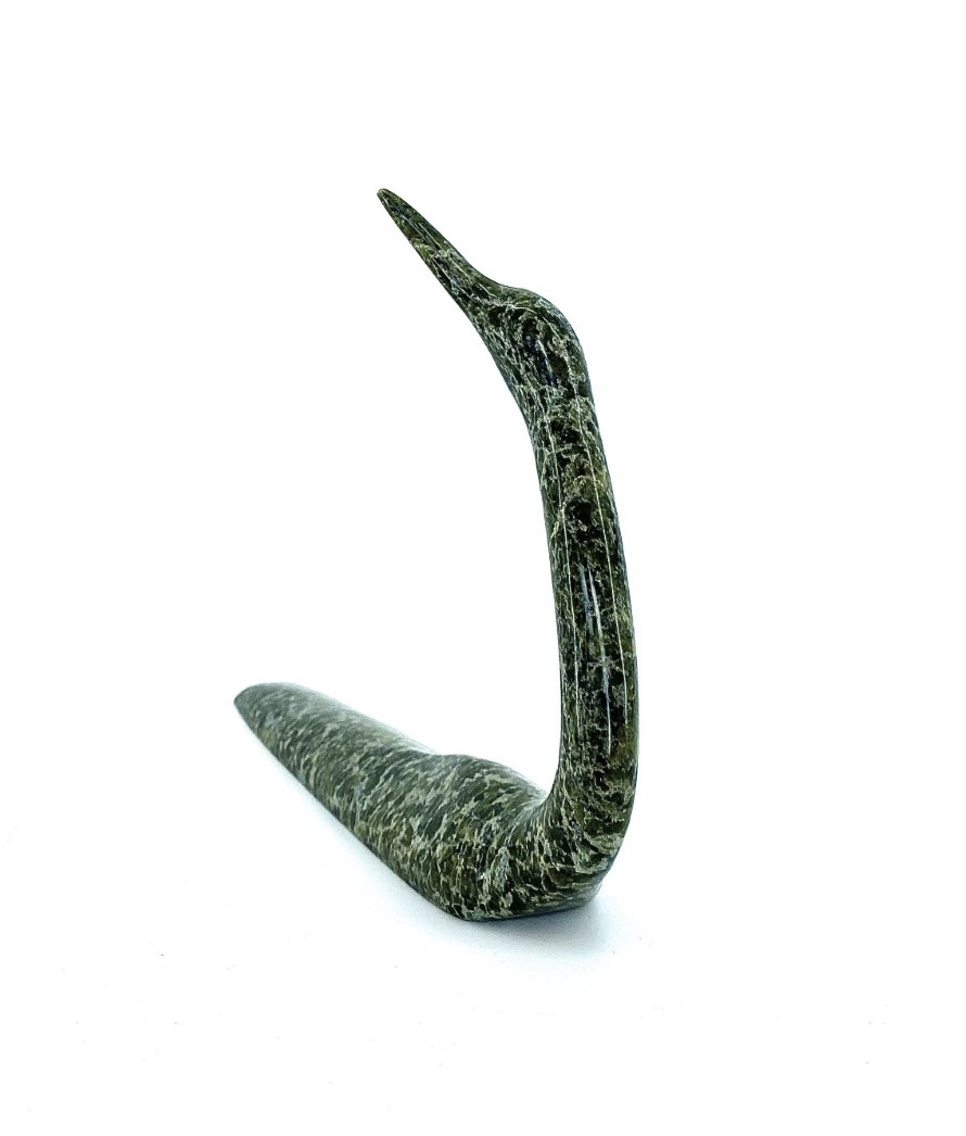 Original inuit art scultpure by Ning Ashoona from Cape Dorset made in Serpentine stone in 2018 Loon 6580m